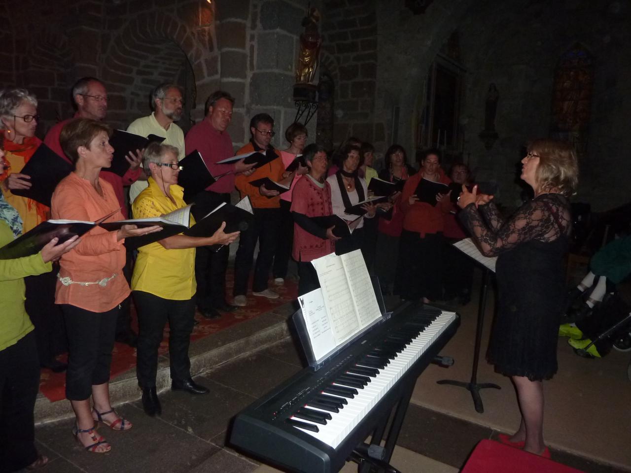 Concert dans l'église de Cheylade: Joëlle Fleck