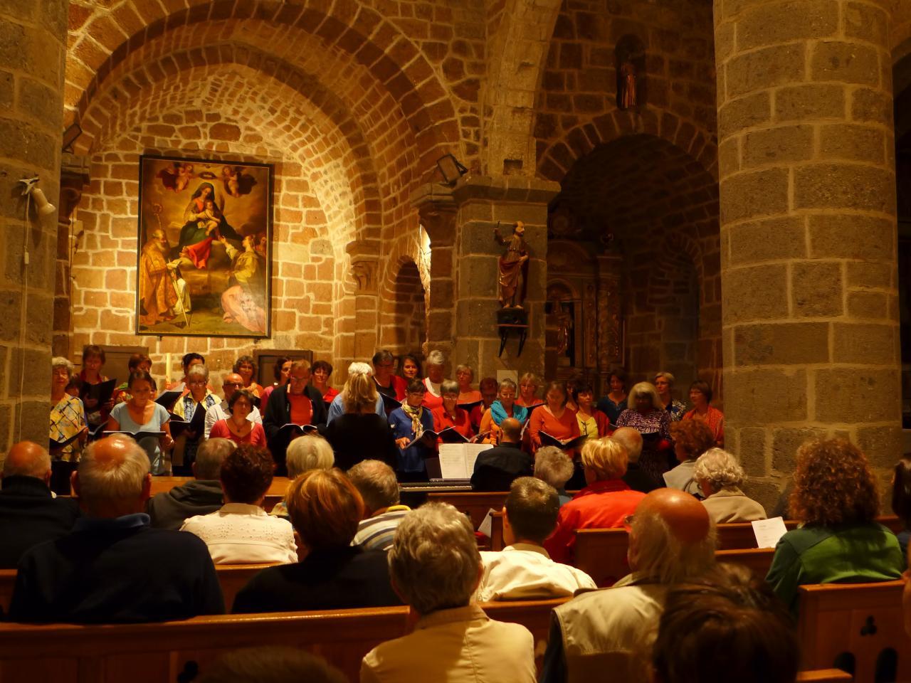 concert final dans l'église de Cheylade